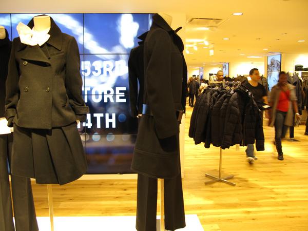 7550770b18 Uniqlo é uma das lojas que você não pode perder em NY. Foto  GC