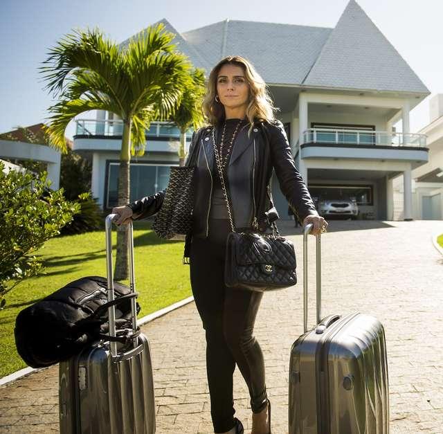 8360217fa Sexy! Copie looks de Giovanna Antonelli em  A Regra do Jogo  - Mundo ...