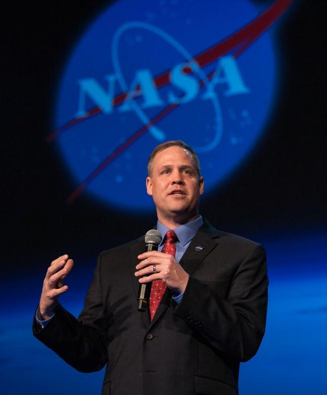 NASA aceita desafio do governo e confirma retorno à Lua em 2024 - 2