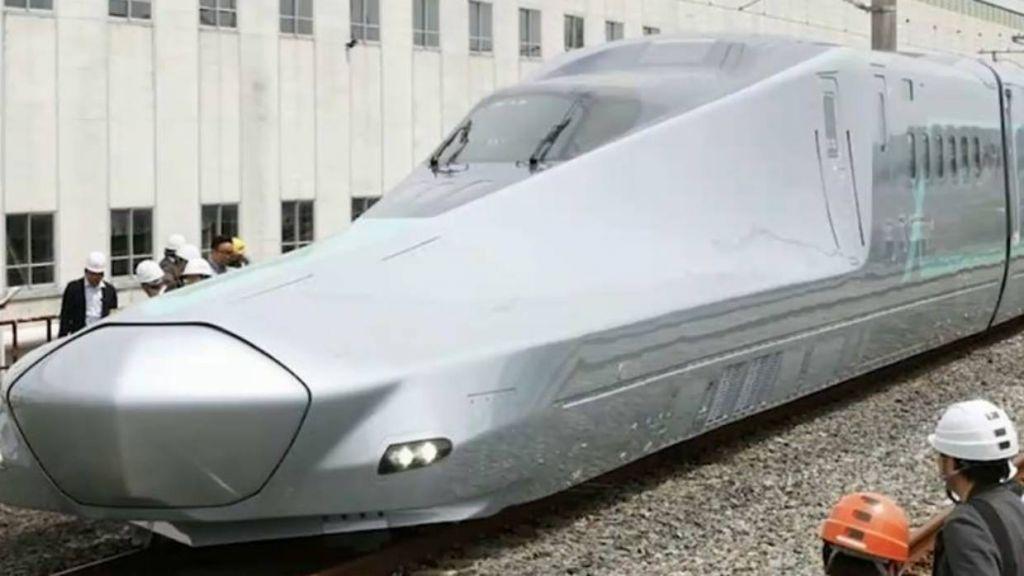Japão testa trem-bala que alcança 400 km/h, o mais rápido do mundo - 2