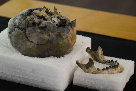 Museu Nacional apresenta peças da coleção egípcia resgatadas dos escombros da instituição.