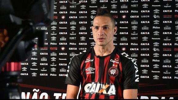 20 jogadores que deixam seus clubes na retomada do Campeonato Brasileiro - 21