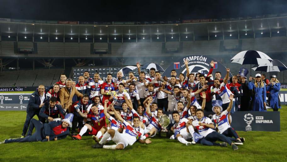 7 times que disputaram a Libertadores mesmo estando na segunda divisão - 1