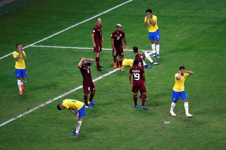 Brasil empata com Venezuela na segunda partida pela Copa América REUTERS/Luisa Gonzalez/Direitos Reservados