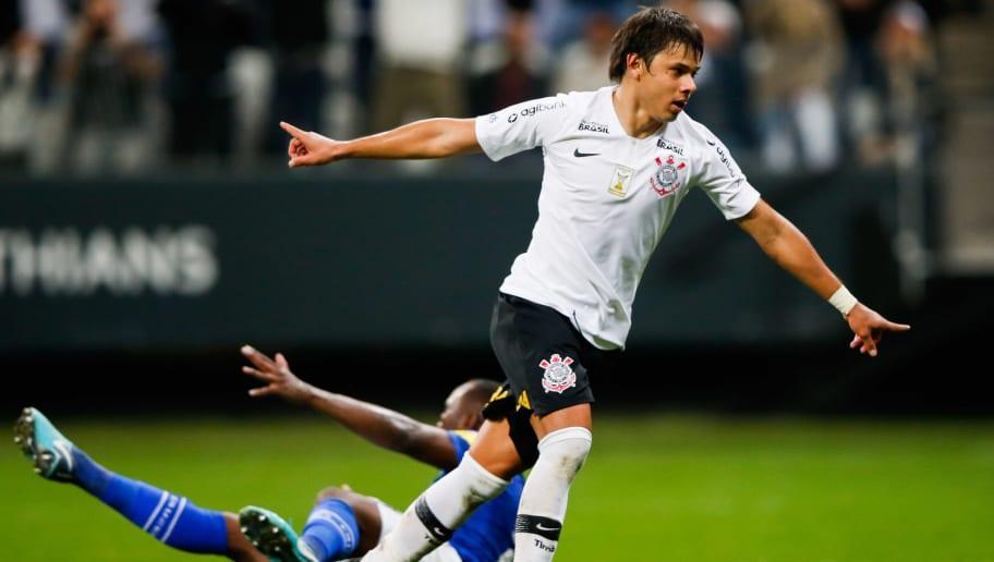 Limpa no Corinthians deve eliminar metade dos gringos do clube - 1