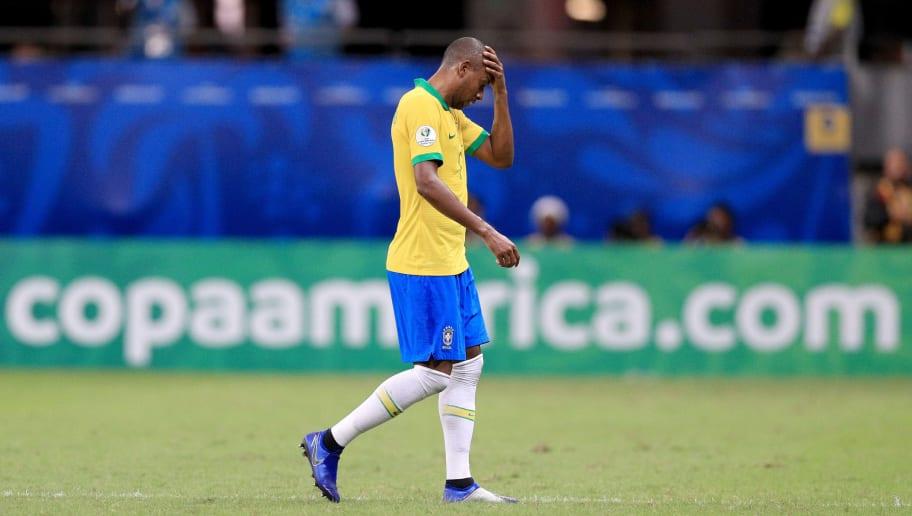 Reação de Galvão Bueno à entrada de Fernandinho viraliza na web: