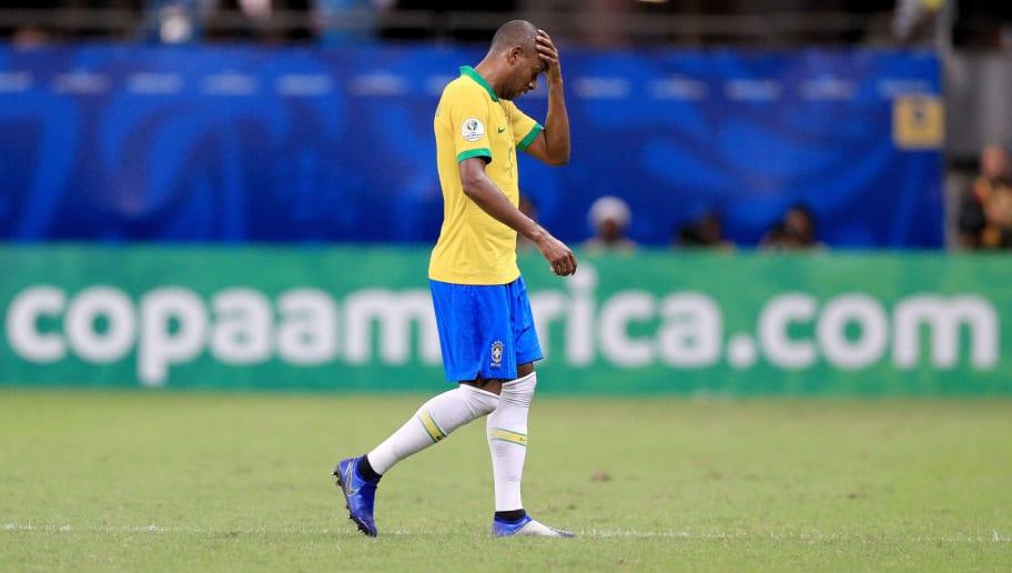 Uma mudança a menos! Lesão de Fernandinho inviabiliza troca no meio-campo da seleção - 1