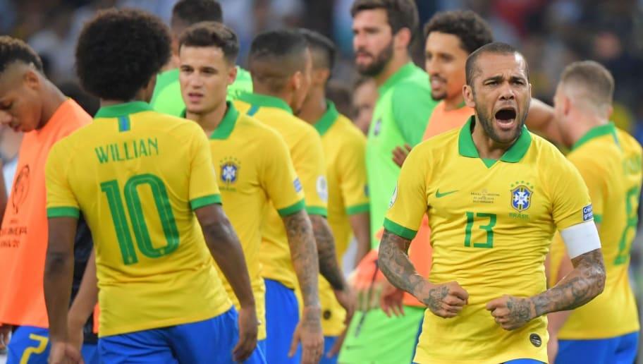 Jorginho + Cafu = Daniel Alves! Lateral mostra que é um dos maiores da história - 1