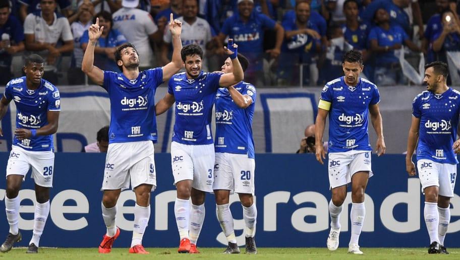 Faxina no elenco: 5 jogadores estão de saída do Cruzeiro e já têm data para deixar a Raposa - 1