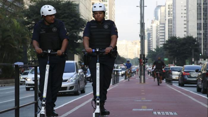 Patinetes não podem mais ser deixados na rua após novo decreto de São Paulo - 1