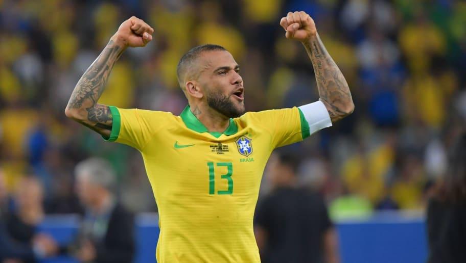 São Paulo anuncia contratação de Daniel Alves - 1