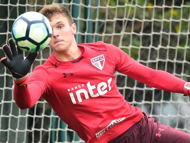 Sofrendo com dores, Lucas Perri passa por procedimento cirúrgico e desfalcará equipe do São Paulo - 2
