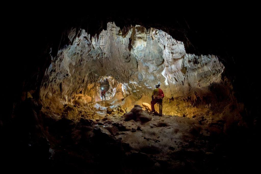 Astronautas vivem em cavernas em preparação para futuras viagens espaciais - 3