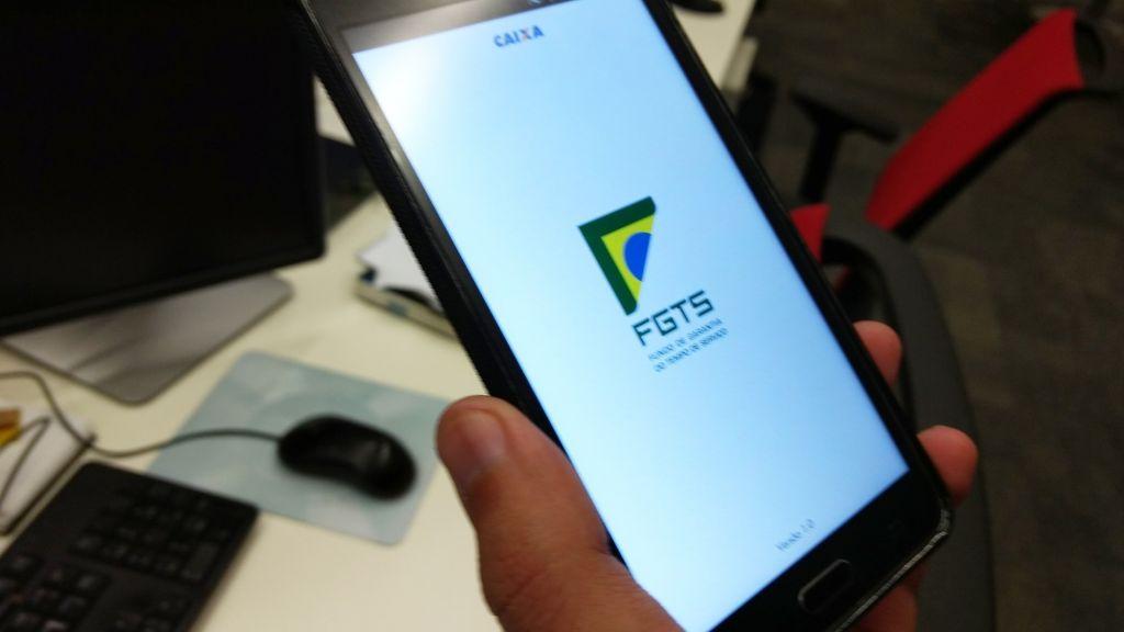 Caixa alerta para golpes via WhatsApp para quem busca sacar o FGTS em setembro - 2