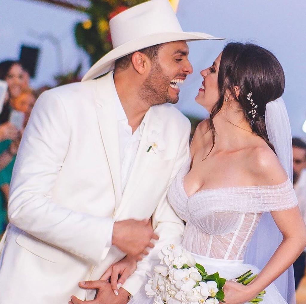 Com direito a montar em cavalo branco, Mano Walter se casa em Maceió - 2