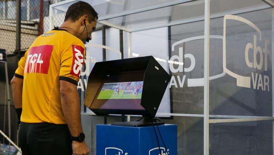 Grêmio pede áudio de VAR em lance que poderia ter mudado seu destino na Copa do Brasil - 1