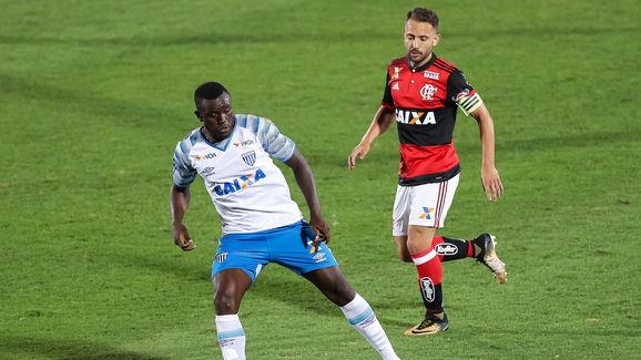 Everton Ribeiro,Joel
