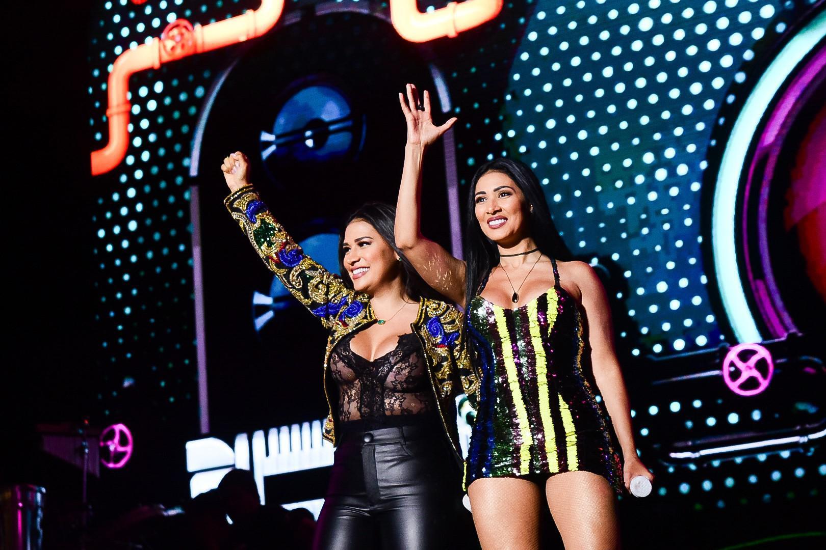 Villa Mix comemora sucesso dos dois dias de festival no continente europeu! - 1