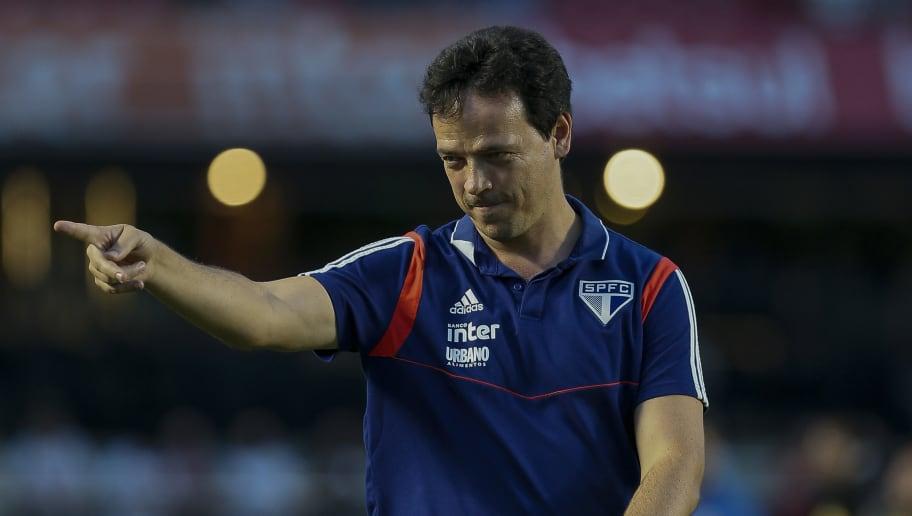 Após gols perdidos, Fernando Diniz fala sobre atuação de Alexandre Pato em vitória do São Paulo - 1