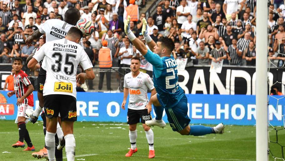 Corinthians treina com novidades e deve ter dois reforços em clássico com o Santos - 1