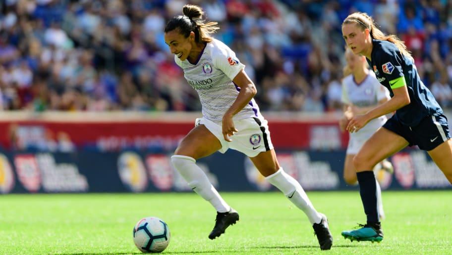 Empresa global negocia acordos para transmissão do futebol feminino dos EUA - 1