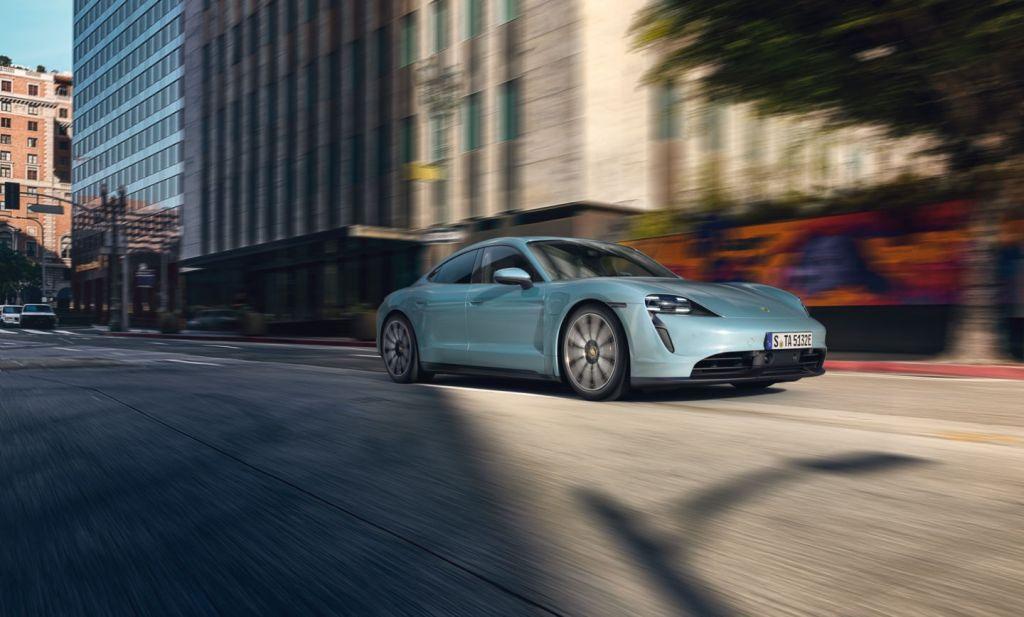 Esportivo elétrico Porsche Taycan 4S chega no primeiro semestre de 2020 - 2