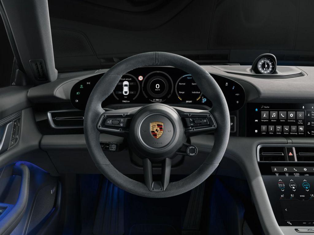 Esportivo elétrico Porsche Taycan 4S chega no primeiro semestre de 2020 - 3