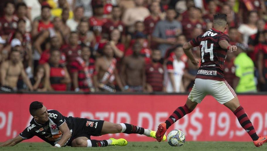 Luxa define substitutos dos suspensos no Vasco e relaciona Raúl, que segue dúvida para o jogo - 1