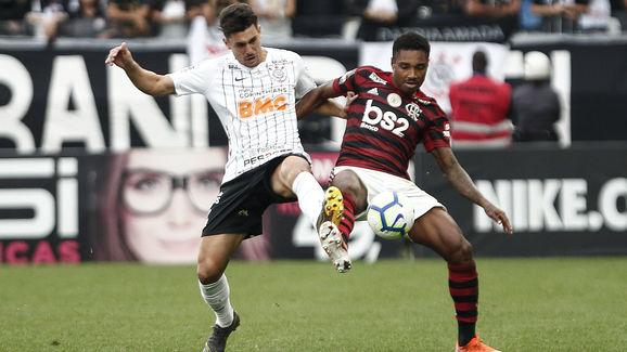 Danilo Avelar,Vitinho