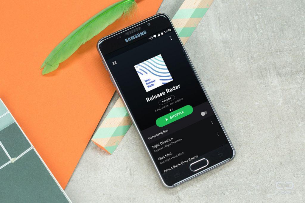 Quantas vezes você deve ouvir uma música no Spotify para o músico pagar boletos? - 2