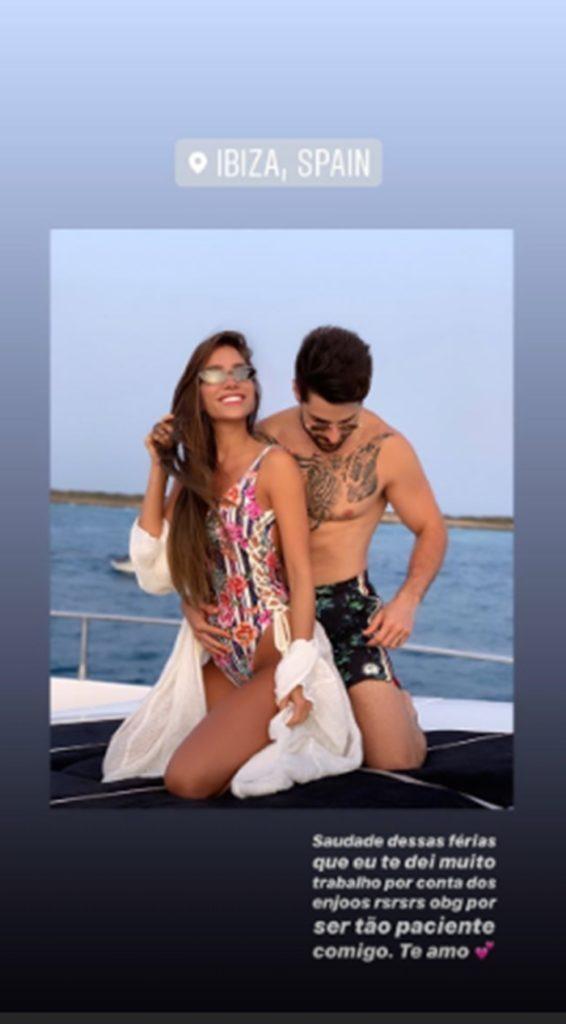 Romana Novais posa com Alok e exibe barriguinha de grávida em maiô - 1