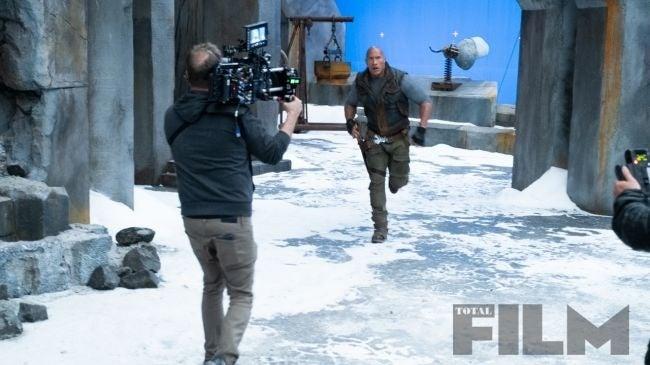 The Rock aparece em ação em imagens do novo Jumanji - 2