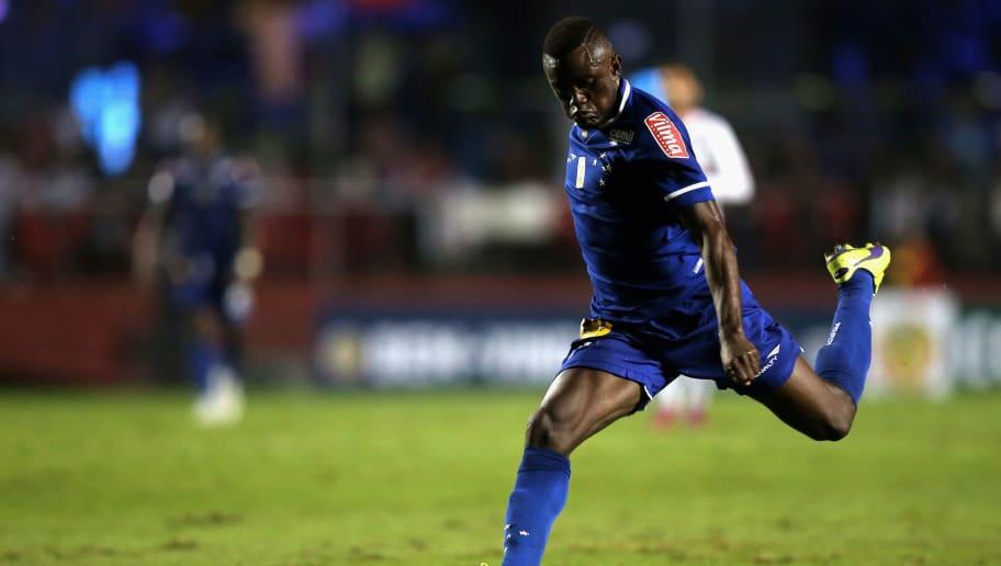 Abel Braga cogita, com razão, um novo teste no ataque do Cruzeiro - 1