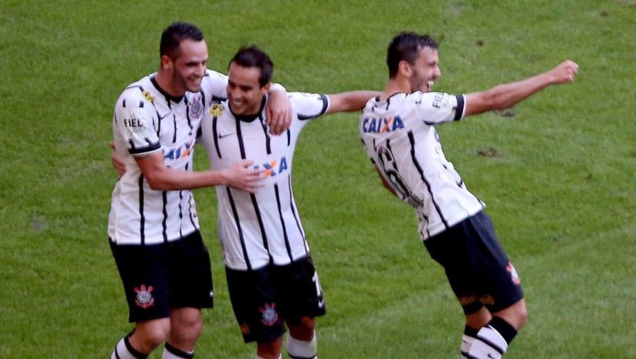 Buscando elenco mais forte em 2020, Corinthians busca repatriar campeão brasileiro em 2015 - 1