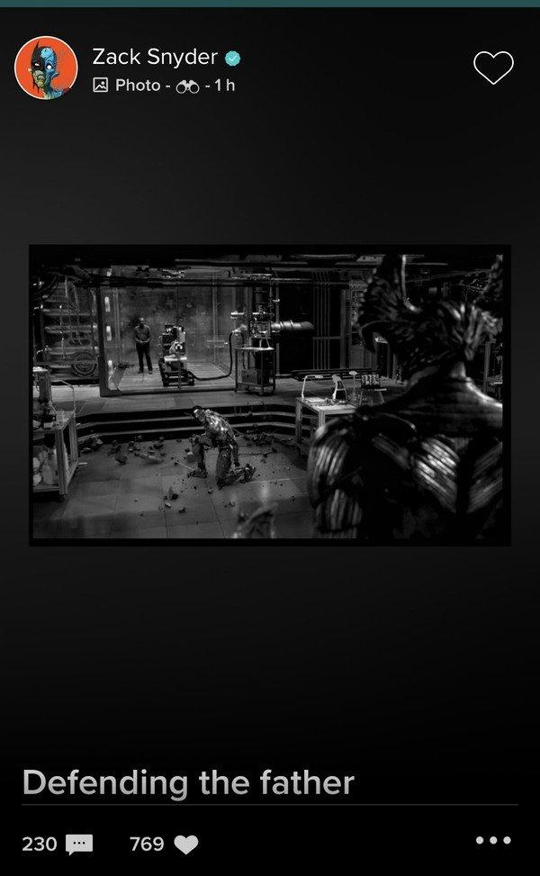 Ciborgue luta contra vilão em nova foto da Liga da Justiça de Zack Snyder - 1