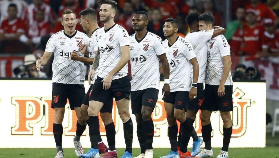 Com sete desfalques, Eduardo Barros quebra a cabeça para definir time titular do Athletico-PR - 1