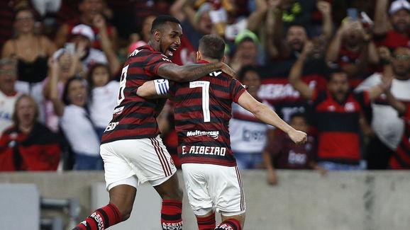 Everton Ribeiro,Gerson