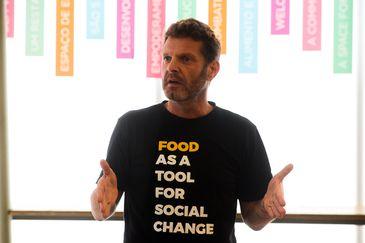 O empreendedor social David Hertz, fala durante evento na Gastromotiva, no centro do Rio de Janeiro