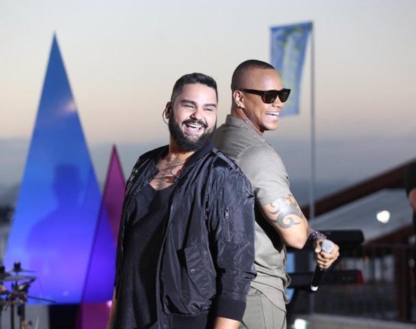 Léo Santana participa de single e clipe de Rode Torres - 2