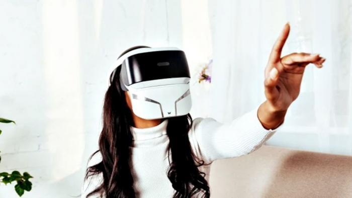 """Máscara de realidade virtual libera odores, aquece e até """"solta vento"""" - 1"""