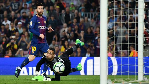 Lionel Messi,Segio Asenjo