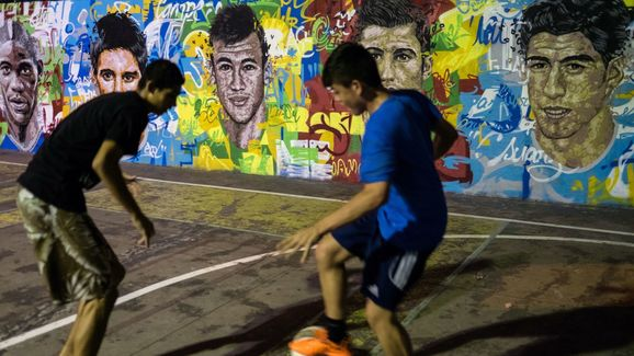 FBL-BRAZIL-WC-2014-MURAL-FEATURE