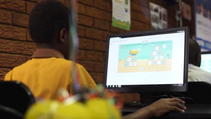 Olimpíada quer unir estudantes dos BRICS em conhecimentos de tecnologia - 1