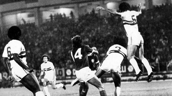 Relembre: as 14 decisões de Libertadores entre brasileiros e argentinos - 4