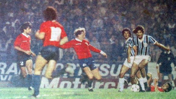 Relembre: as 14 decisões de Libertadores entre brasileiros e argentinos - 7