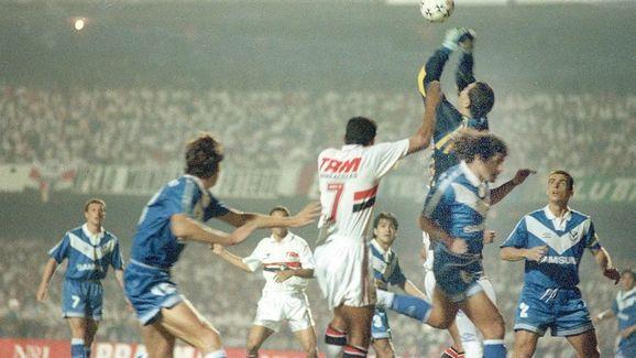 Relembre: as 14 decisões de Libertadores entre brasileiros e argentinos - 9