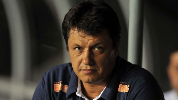 Cruzeiro v Deportivo Italia - Libertadores Cup 2010