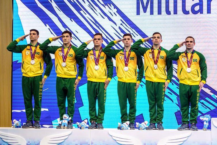 Na disputa por equipes, ginástica artística masculina conquista o vice-campeonato nos 7° Jogos Mundiais Militares.