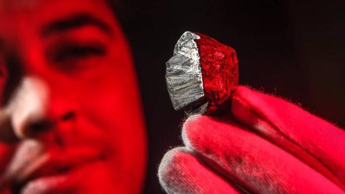 Cientistas descobrem um mineral extraterrestre em meteorito australiano - 1