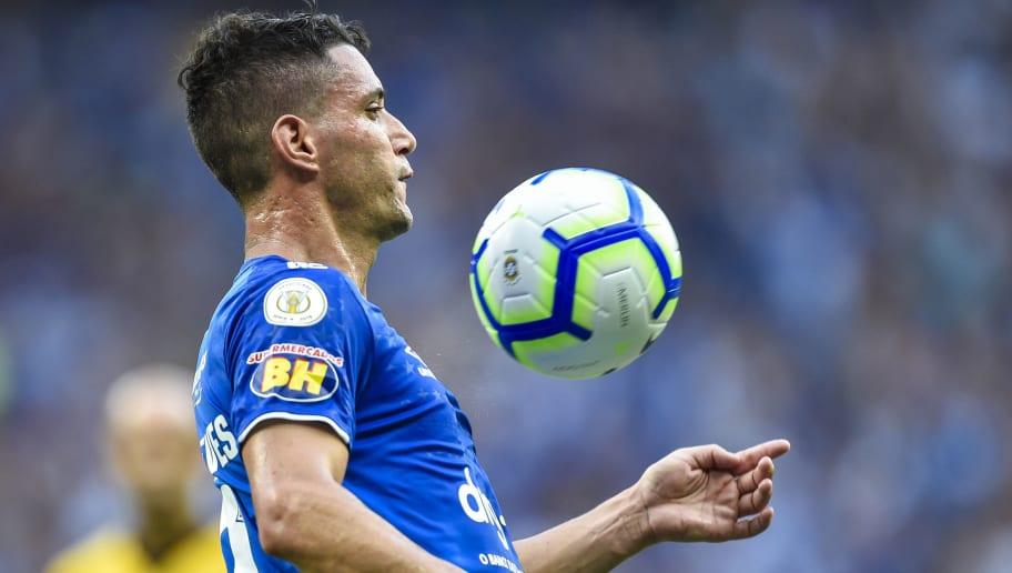 Cruzeiro anuncia afastamento de Thiago Neves - 1